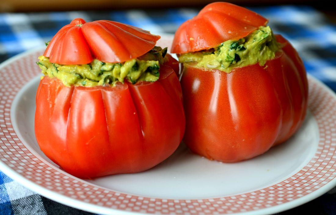 tomates con ensalada de acelga