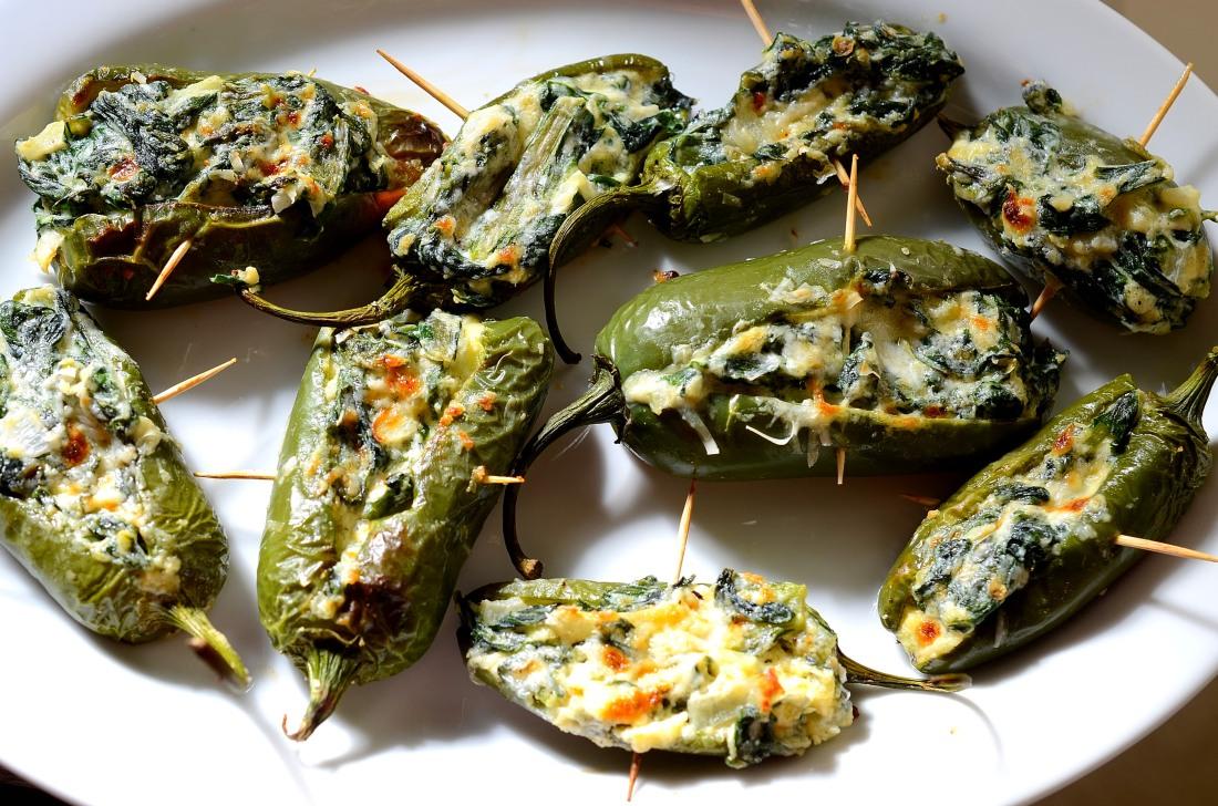 jalapeños con acelga y queso