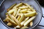 secando papas fritas